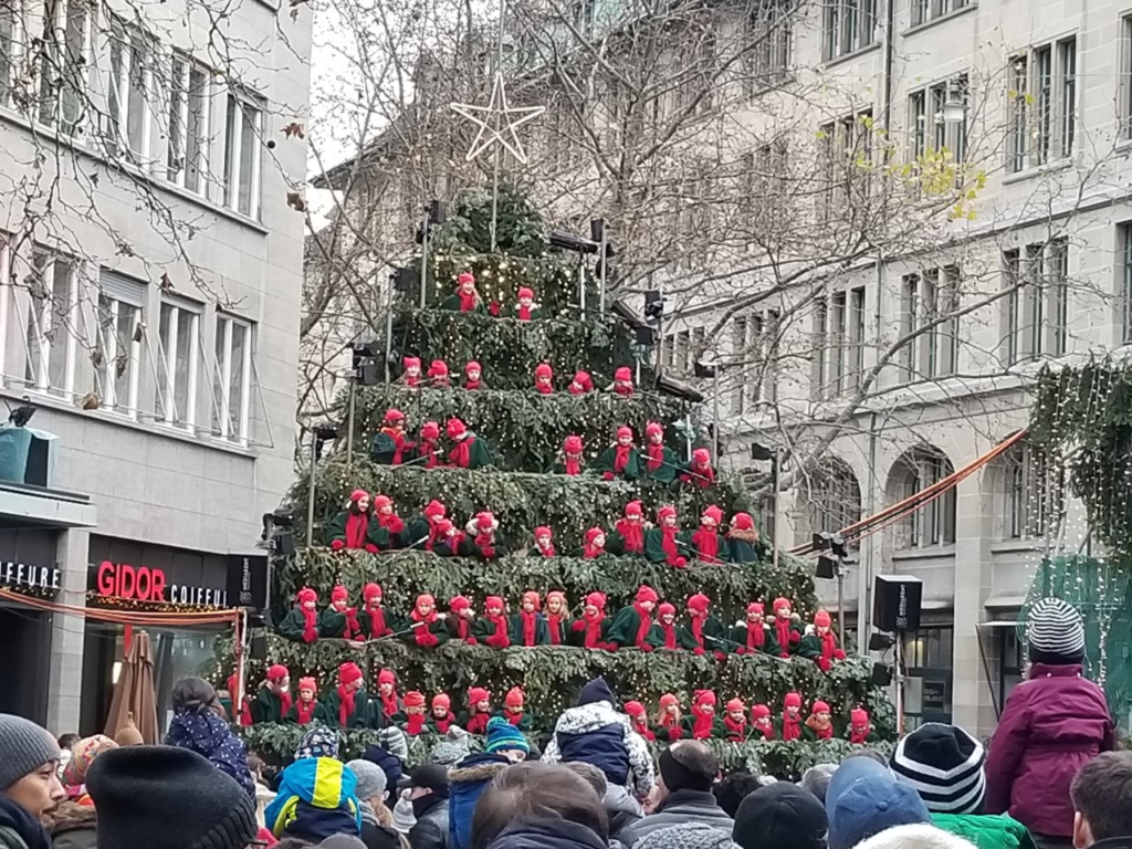 Werdmühleplatz Singing Christmas Tree
